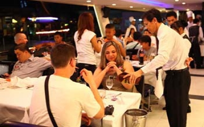 Dinner cruise Bangkok 7.30pm