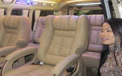Limo van with captain seats