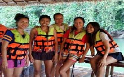 Sai yok resort river swiming