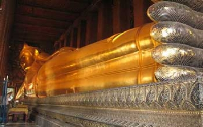 Big Sleeping golden Buddha