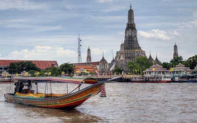Wat Arun by long tail boat